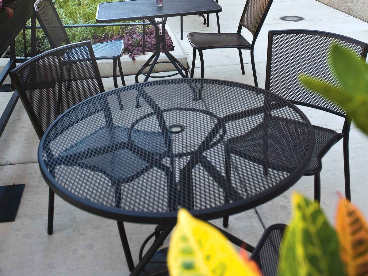 Woodard furniture albion dining set seasonal specialty stores foxboro natick ma - Advantages of wrought iron patio furniture ...